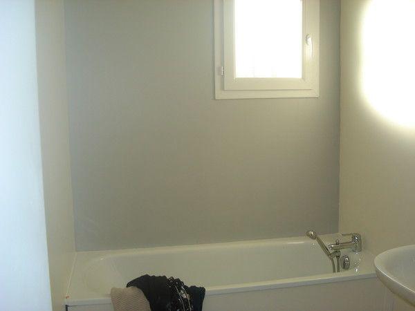 Salle de bain - Salle de bain blanche et grise ...